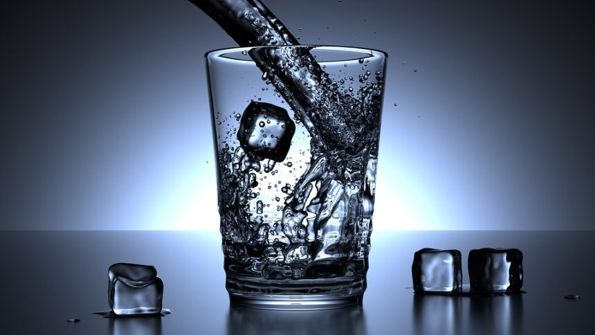 L'eau pourrait avoir deux phases liquides